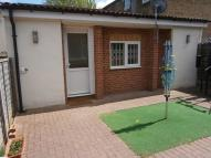 1 bedroom Studio flat in Albany Road, Chatham