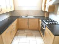 Flat to rent in High Street, SW19