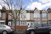 3 bed Terraced house in Oakwood Avenue, CR4