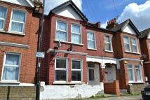 2 bed Maisonette to rent in College Road...