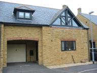 4 bed semi detached house in Halletts Orchard...
