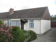 Semi-Detached Bungalow to rent in Thurlocks, Tintinhull...