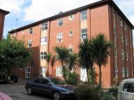 Flat to rent in Leckhampton Place...