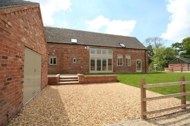 4 Bedroom Barn Conversion For Sale In Pool House Barns Weston Jones Shropshire Tf10