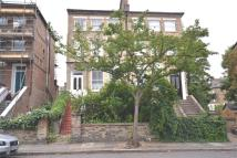 1 bed home in Freegrove road...