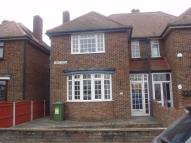 3 bedroom semi detached house to rent in Kent View...