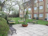 Flat to rent in Freshbrook Road, Lancing...