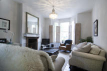 Maisonette for sale in Vicarage Grove, London...