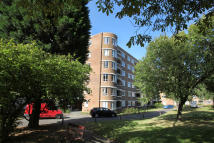 2 bed Apartment in Champion Hill, London...