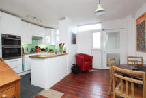 3 bed End of Terrace house for sale in Nunhead, London, SE15