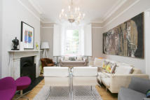 5 bedroom Terraced house for sale in Elmington Road, London...