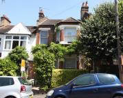 2 bed Apartment in Bushey Hill Road, London...