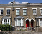 Terraced property for sale in Flaxman Road, London, SE5
