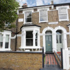 5 bed Terraced property for sale in Graces Road, London, SE5