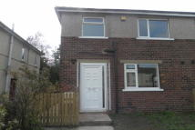 3 bed semi detached property to rent in Ovenden Way, Illingworth