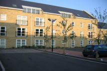 Apartment to rent in Regent Court, Savile Park