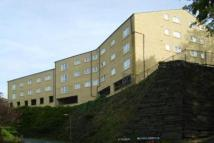 property to rent in Caddyfield Court, Halifax