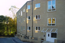 2 bedroom Apartment in Caddyfield Court, Halifax
