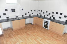 2 bedroom End of Terrace property to rent in Devonshire St, Keighley