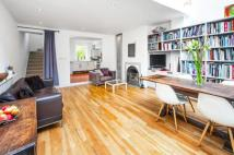 3 bedroom Terraced house in Newington Green Road...