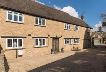 4 bed semi detached property for sale in Weald Street, Bampton