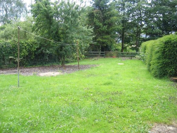 Garden 2 021.jpg - r