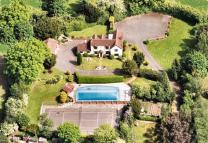 6 bedroom Detached house for sale in Outlands Lane, Curdridge...