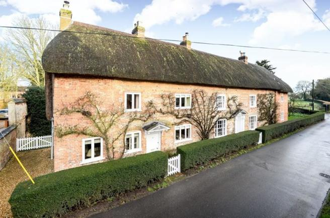 5 bedroom property for sale in newbury hill penton mewsey andover sp11