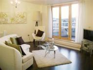 2 bed Flat in The Crescent, Harbourside