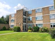 Apartment to rent in Boreham Holt, Elstree...