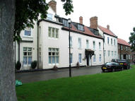 3 bedroom Apartment in Norton Hall...