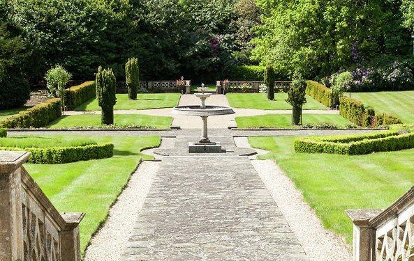 Ascot: Gardens