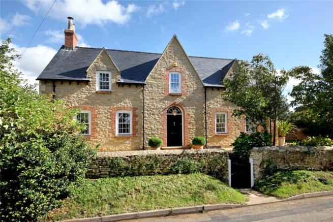4 Bed House For Sale