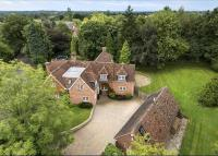 6 bedroom Detached home for sale in Mill Lane...