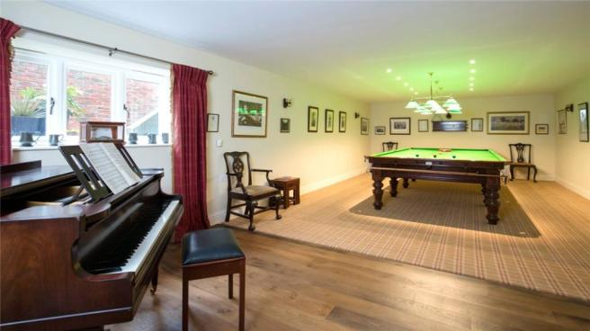 Snooker/Music Room