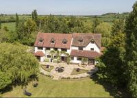 7 bed Detached home for sale in Clifford Chambers...