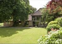 3 bedroom semi detached house for sale in Cottage Lane, Shottery...