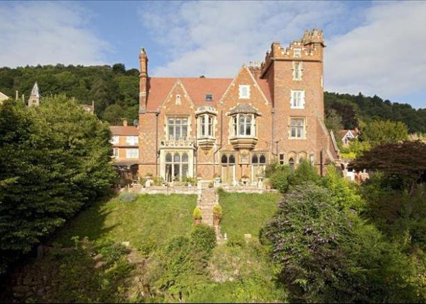 6 bedroom house for sale in abbey road malvern for Gothic revival homes for sale