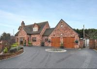 5 bedroom Detached house in Mustow Green...