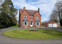 Detached home for sale in Bridgnorth Road...