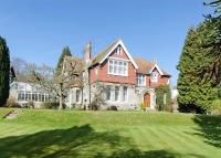 6 bedroom Detached home in Bridge Road, Leigh Woods...