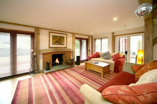 Ascot: Sitting Room