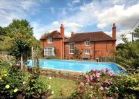 5 bed Detached house for sale in Forest Road, Hurst...