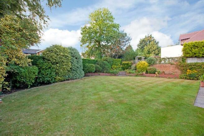 Sunninghill: Garden