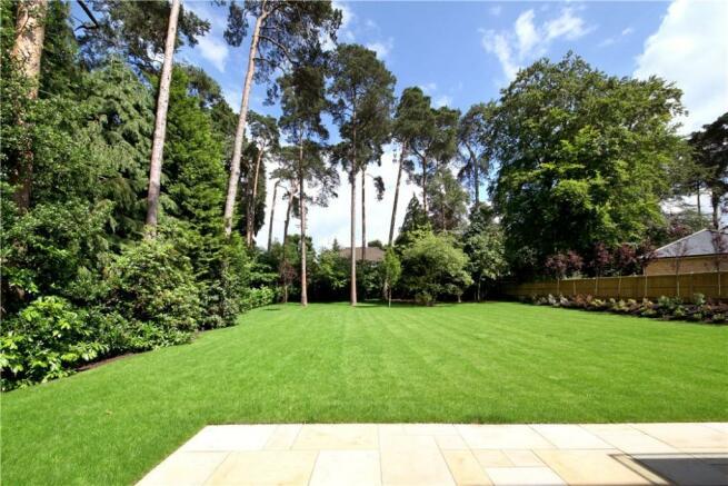 Ascot: Garden