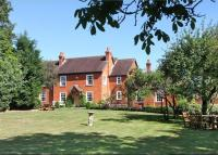 5 bedroom Detached home for sale in Baughurst Road...