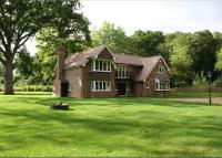 4 bedroom Detached house in Wokefield Park, Mortimer...
