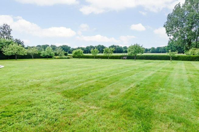 1 Acre Grounds
