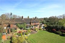 6 bed Detached house in Heath House Road...