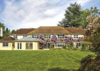 6 bedroom Detached home in Hockering Road...